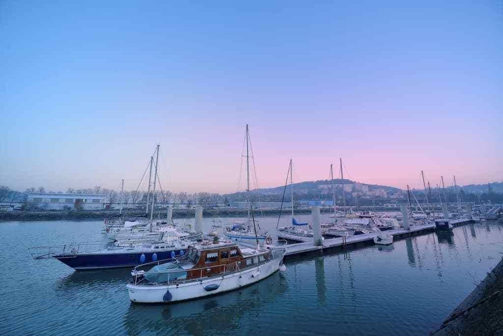 Crépuscule sur le port de Rouen